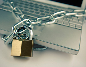 """Jak bronić się przed oszustami internetowymi stosującymi """"PHISHING*"""""""