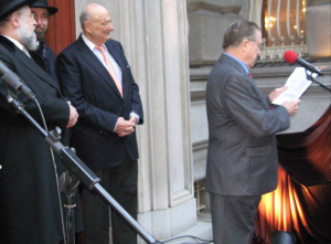 Polish hero who tried to stop the Holocaust remembered on the sidewalks of New York