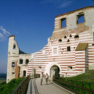 Zamek w Janowcu - Nadwiślańska warownia