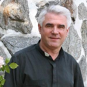 Ksiądz Ryszard Koper - duszpasterz, społecznik, pisarz, fotograf