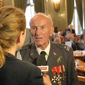 Medale dla weteranów lotnictwa w Krakowie