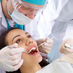 Polacy nie leczą zębów, bo nie mają za co