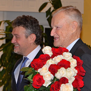 Professor Zbigniew Brzezinski and Ambassador Ryszard Schnepf. Fot. Michał Doliński, Embassy of Poland