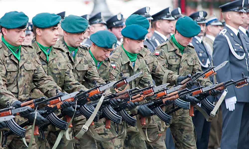 Służba Wywiadu Wojskowego - tajne czyli jawne?