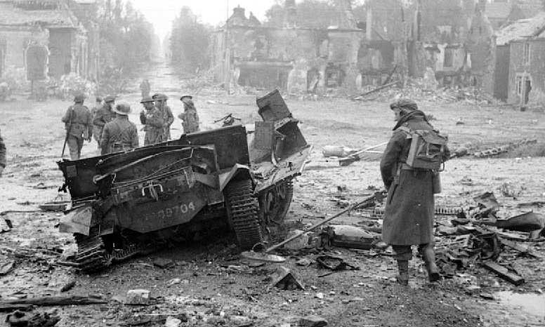 Wykrywacz min Mark I konstrukcji Józefa Kosackiego we Francji w 1944 roku.
