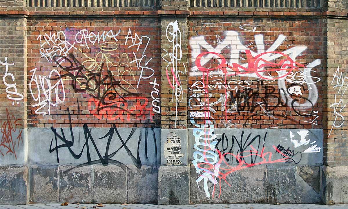 Antykościelne napisy w Krakowie