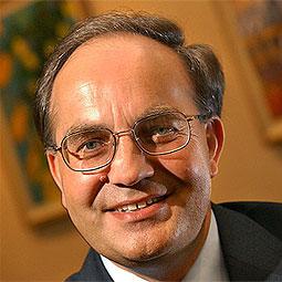 Ludwik Wnękowicz - biznesmen z NJ, własciciel Doma Export, przesyłającej  paczki i kontenery USA- Polska, działacz społeczno-polityczny