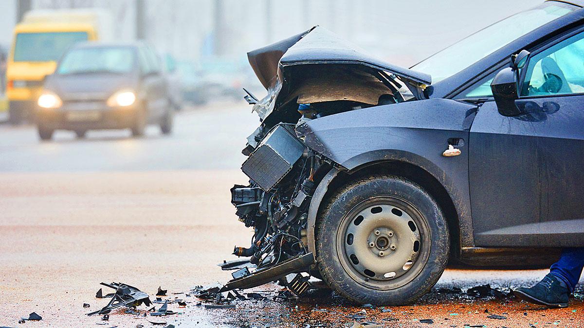 Hit and run - co robić gdy drugi kierowca opuścił miejsce wypadku?