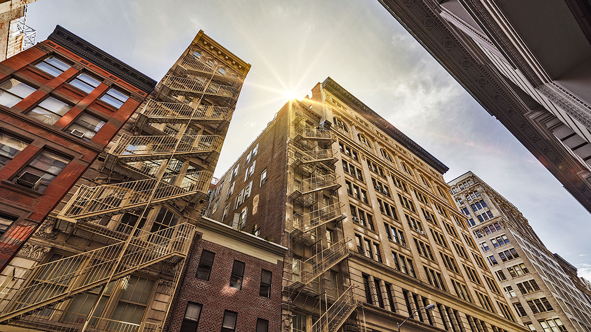 Konflikty właścicieli z lokatorami mieszkań i domów w NY - na pytania odpowiada adwokat R. Magda