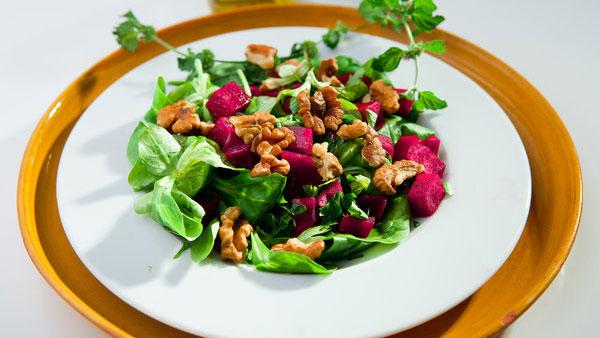Zdrowe jedzenie w pracy - 5 fit przekąsek