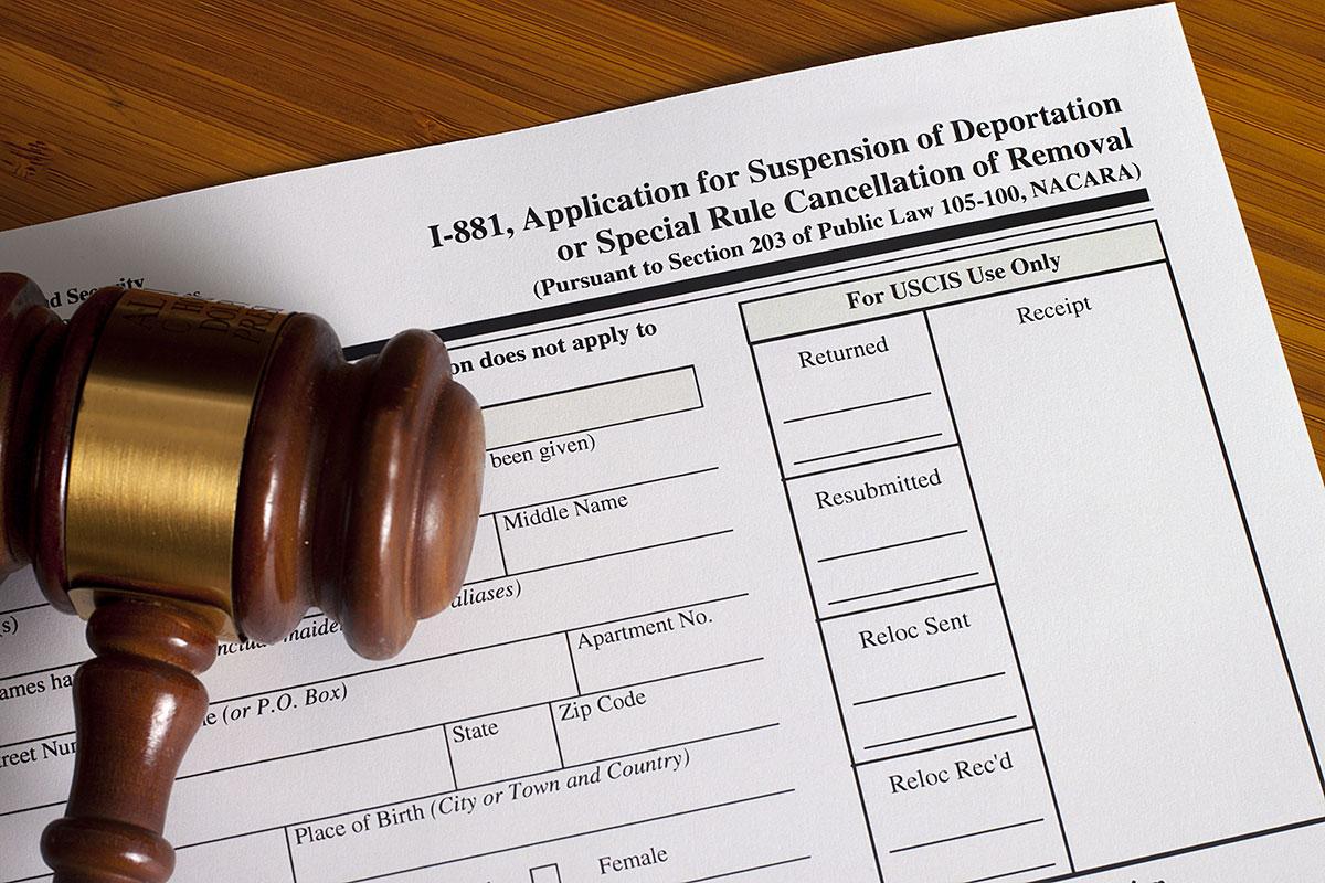 Deportacje imigrantów w USA: z wizami, sponsorujących się, mających zielone karty i bez ważnej wizy