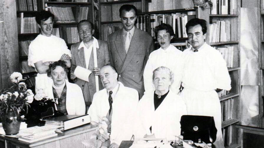 Witold Stefański - w środku, w pierwszym rzędzie.