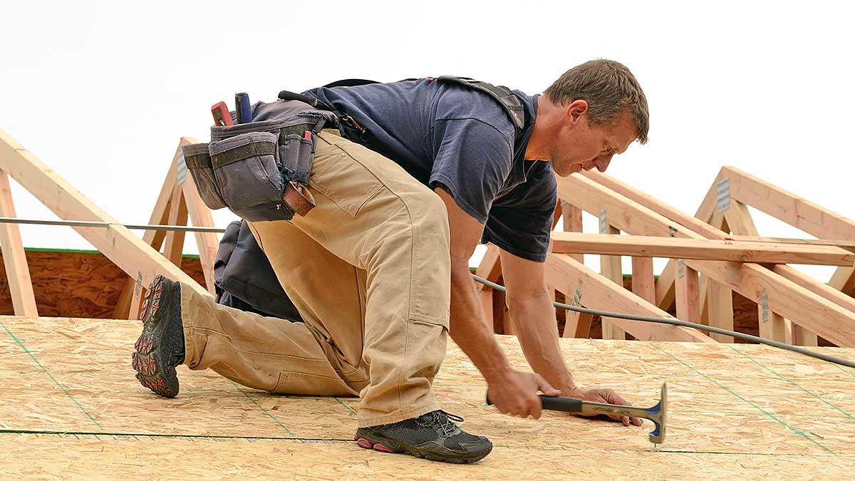 Naprawy przeciekającego dachu, zalanej piwnicy - pomoc 24/7 polskiego kontraktora European Quality Plumbing