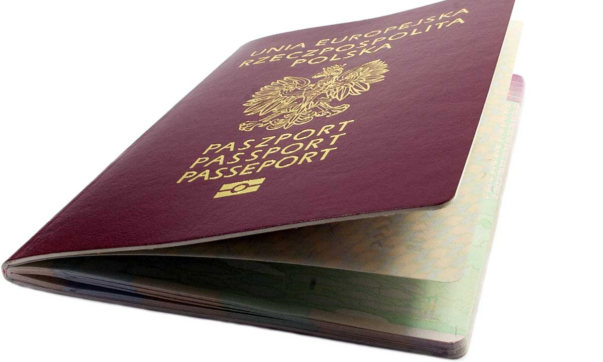 Polski paszport w CT - obowiązkowa rejestracja na dyżur konsularny w Hartford