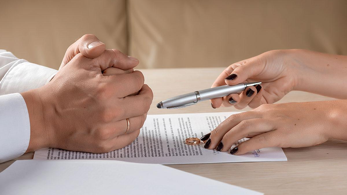 Nowy Jork: Rozwód w NY, NJ, PA i CT a jego konsekwencje dla kobiety - adwokat rozwodowy w USA