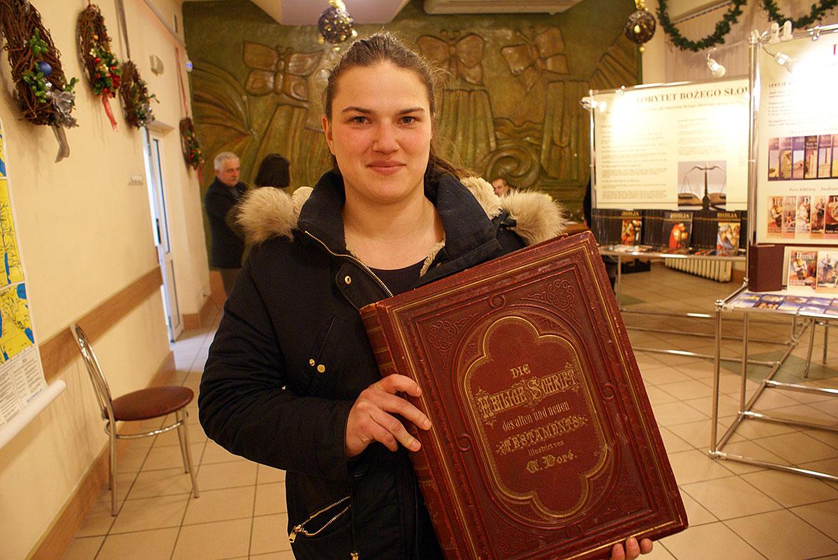 Biblia - najpiękniejsza księga, najstarsze dzieło literackie świata