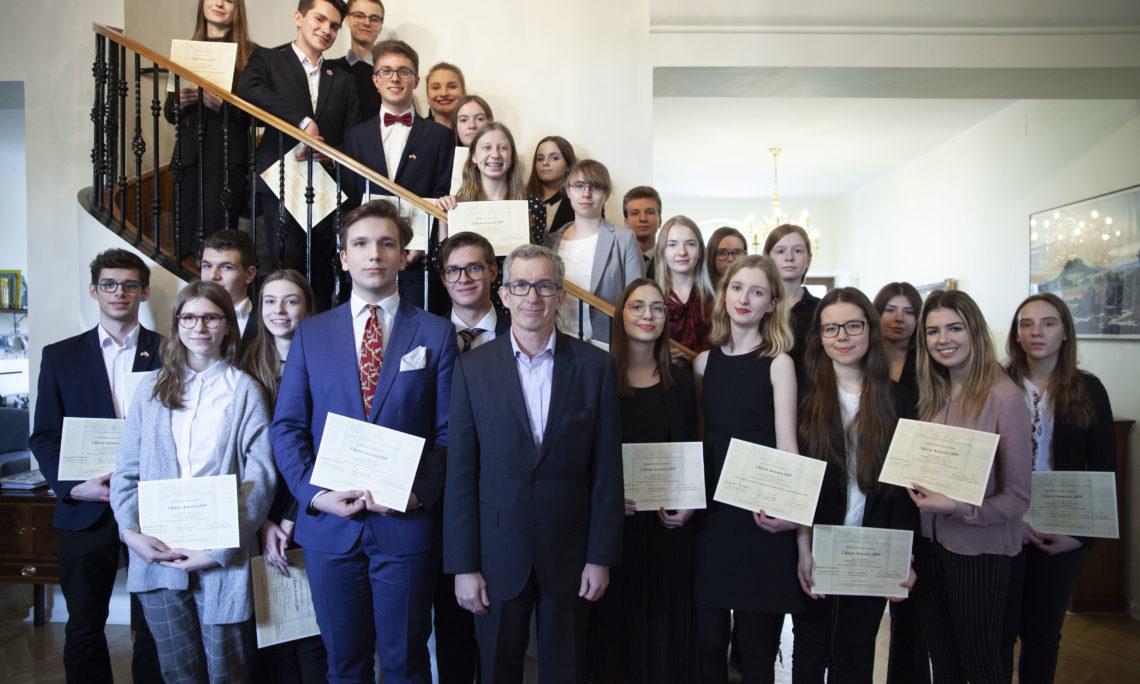 """Ambasada USA gościła finalistów konkursu """"I Know America 2019"""""""