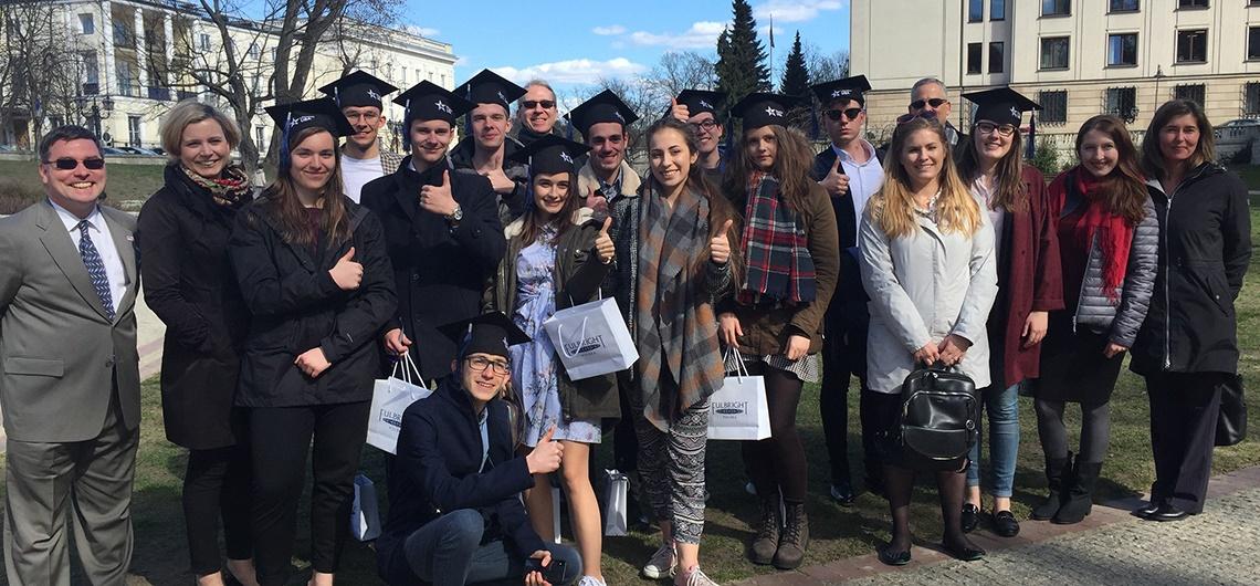 Polscy uczniowie idą na studia do amerykańskich uczelni