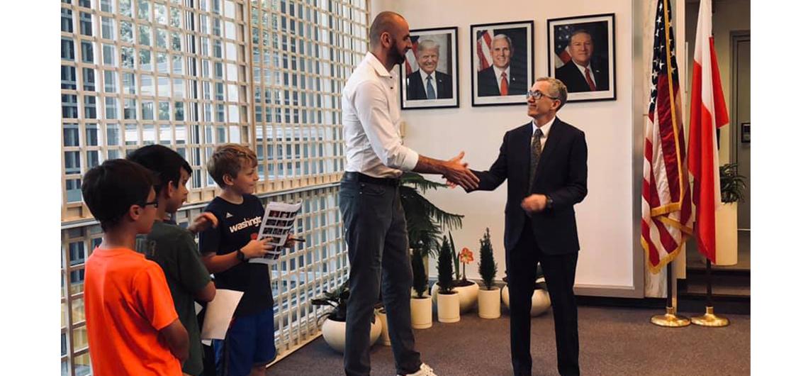 Gwiazda NBA, Marcin Gortat zaproszony do Ambasady Amerykańskiej