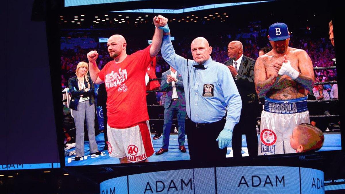 Zwycięstwo Babyface Kownacki vs. Arreola - zdjęcia ze zwycięskiej walki boksera z Polski