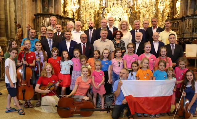 Ponad 6350 polonijnych uczestników pobytów wakacyjnych w Polsce