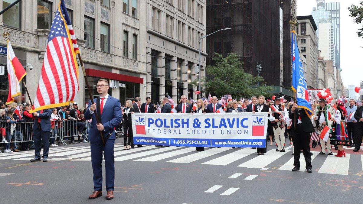 Parada Pułaskiego '19: Sen. Schumer, Konsulat RP, P&SFCU, Medicus, szkoły i weterani. Zdjęcia - Część 2