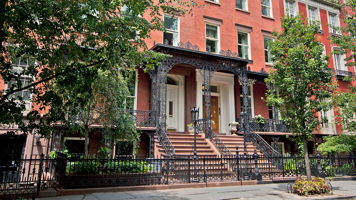 New York City brownstone apartment buildings