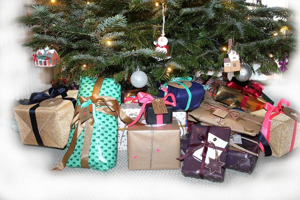 Wyślij paczki na święta do Polski do 12 grudnia i wygraj polską TV w USA Sling