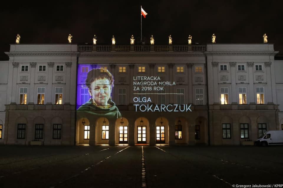 List gratulacyjny od Prezydenta Dudy dla noblistki Olgi Tokarczuk - video z uroczystości wręczenia nagrody