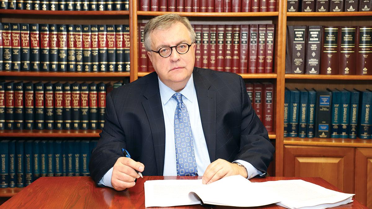 Mecenas Wiśniewski prowadzi sprawy biznesowe w Nowym Jorku