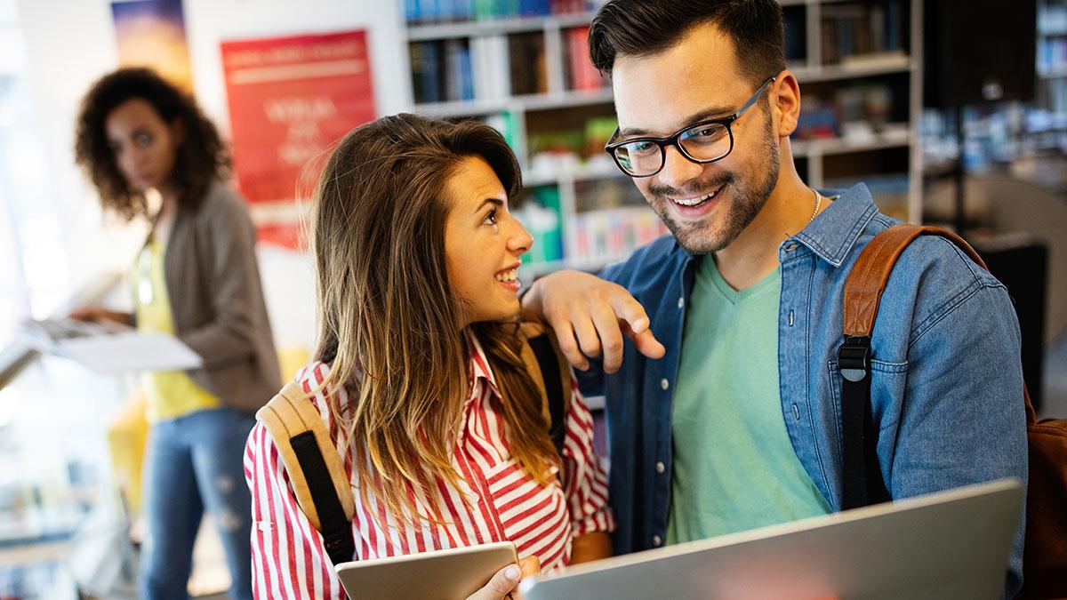 """Polonijne stypendia dla studentów w USA """"undergraduate"""" od PofLI w 2020"""