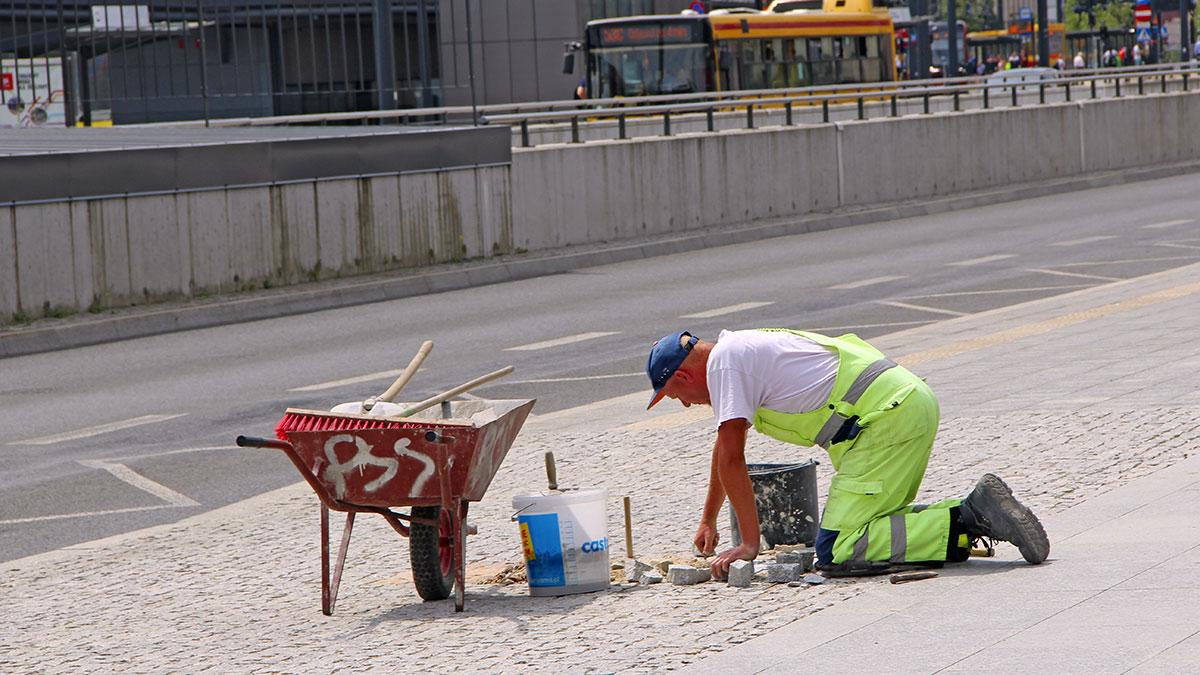 Polacy pracują dużo, ale mało wydajnie