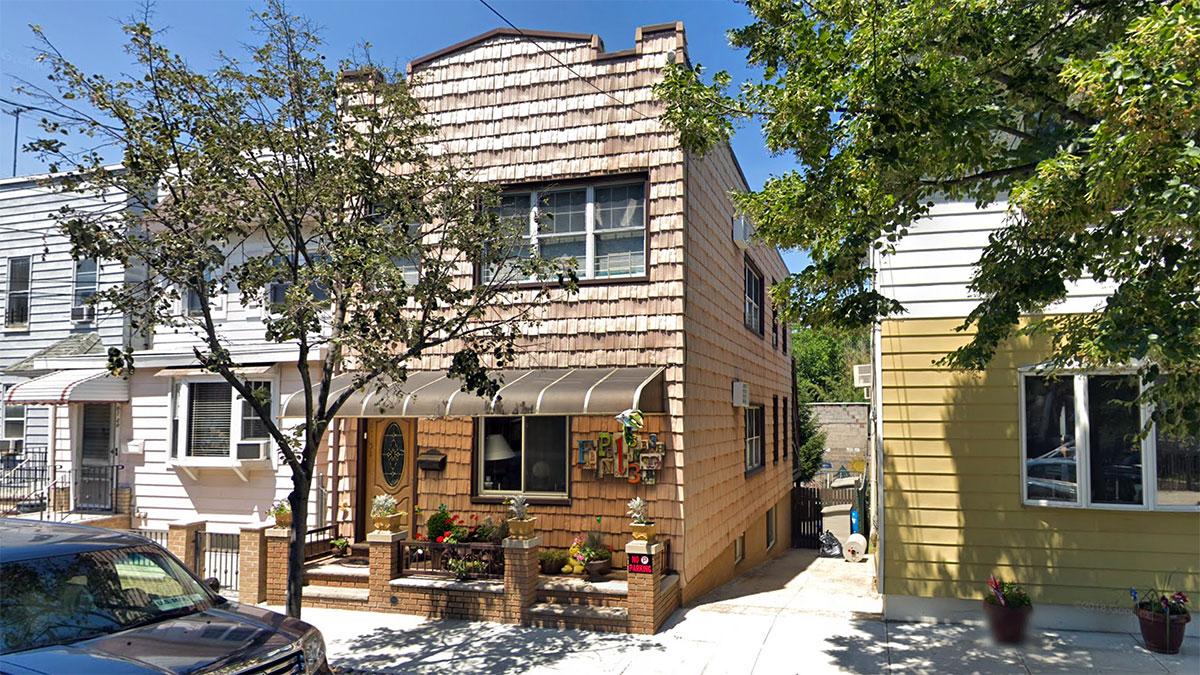 Okazja w NY. Nowa cena na dwurodzinny dom. Nieruchomość na sprzedaż na Maspeth