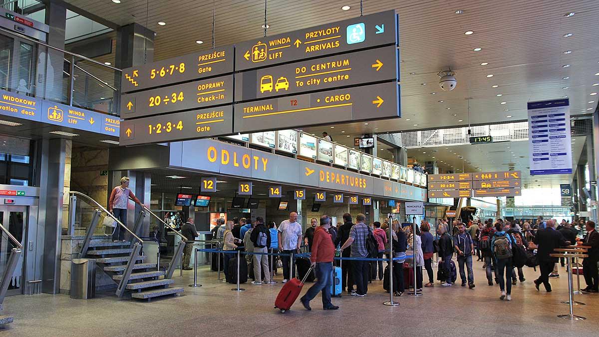 Samoobsługa bagażowa na lotnisku Kraków-Balice