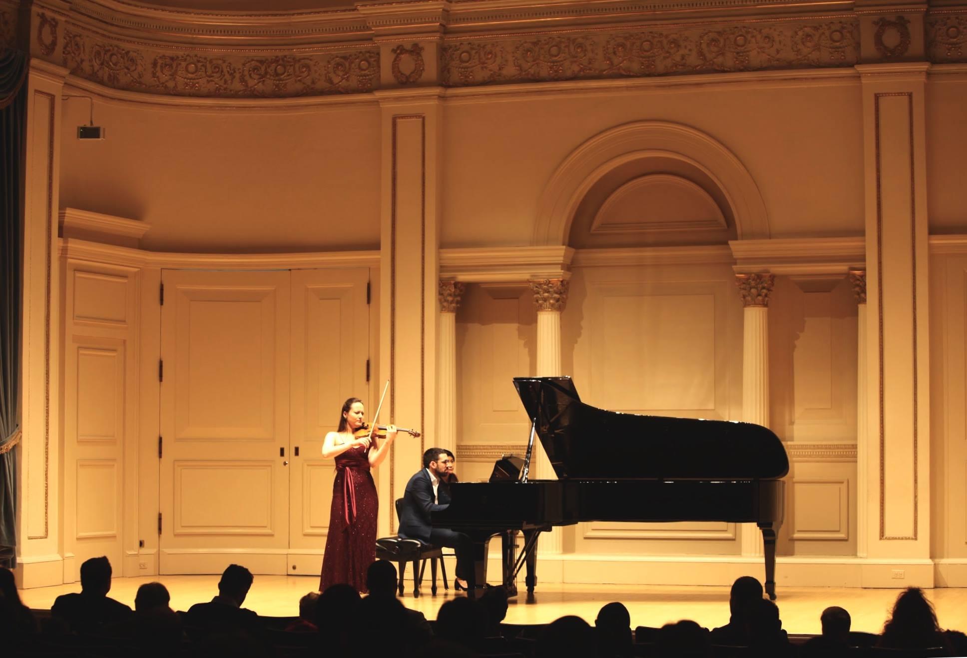 Polish Violinist Magdalena Filipczak Makes her Carnegie Hall Debut