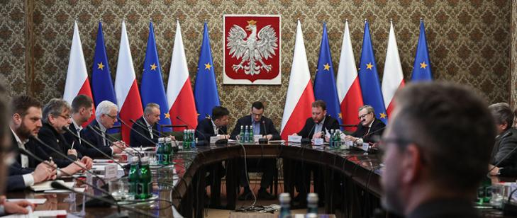 MSZ: Pomoc Polakom przebywającym za granicą i mającym problem z powrotem do Polski