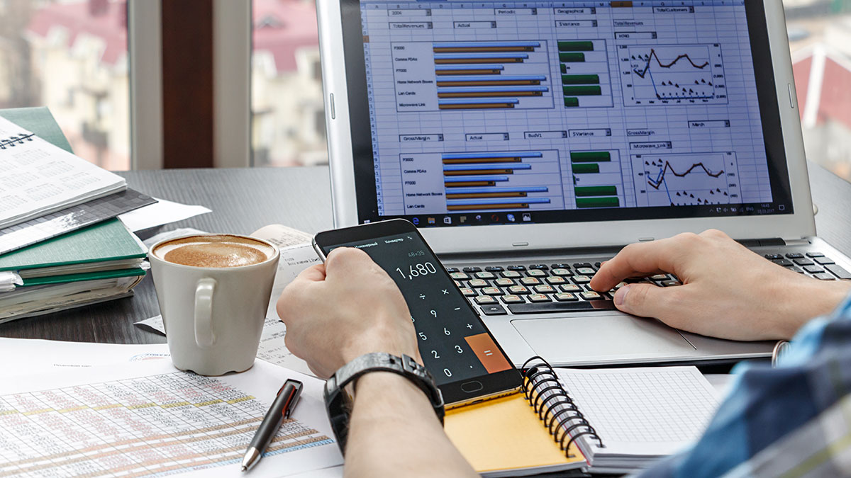 Polska agencja Ella Business w Nowym Jorku jest otwarta, rozlicza podatki przez internet i email