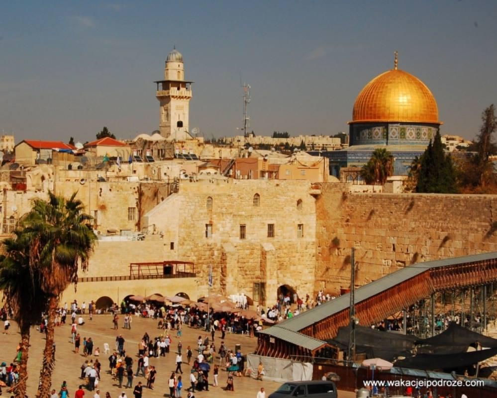 Rozmodlona świątynia w Jerozolimie w dobie epidemii
