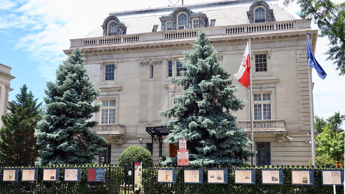 W USA zamknięte polskie konsulaty 13 kwietnia. Telefony dyżurne na nagłe przypadki