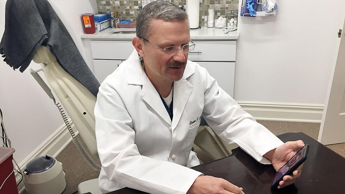 Polska infolinia medyczna w sprawie koronawirusa w USA