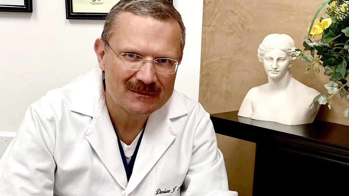 Polska infolinia medyczna w sprawie koronawirusa dostępna też przez SMS/TEXT