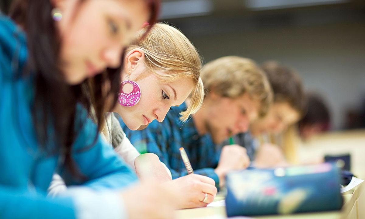 Matura i egzamin ósmoklasisty w czerwcu. Przedłużone zamknięcie przedszkoli, żłobków, szkół i uczelni