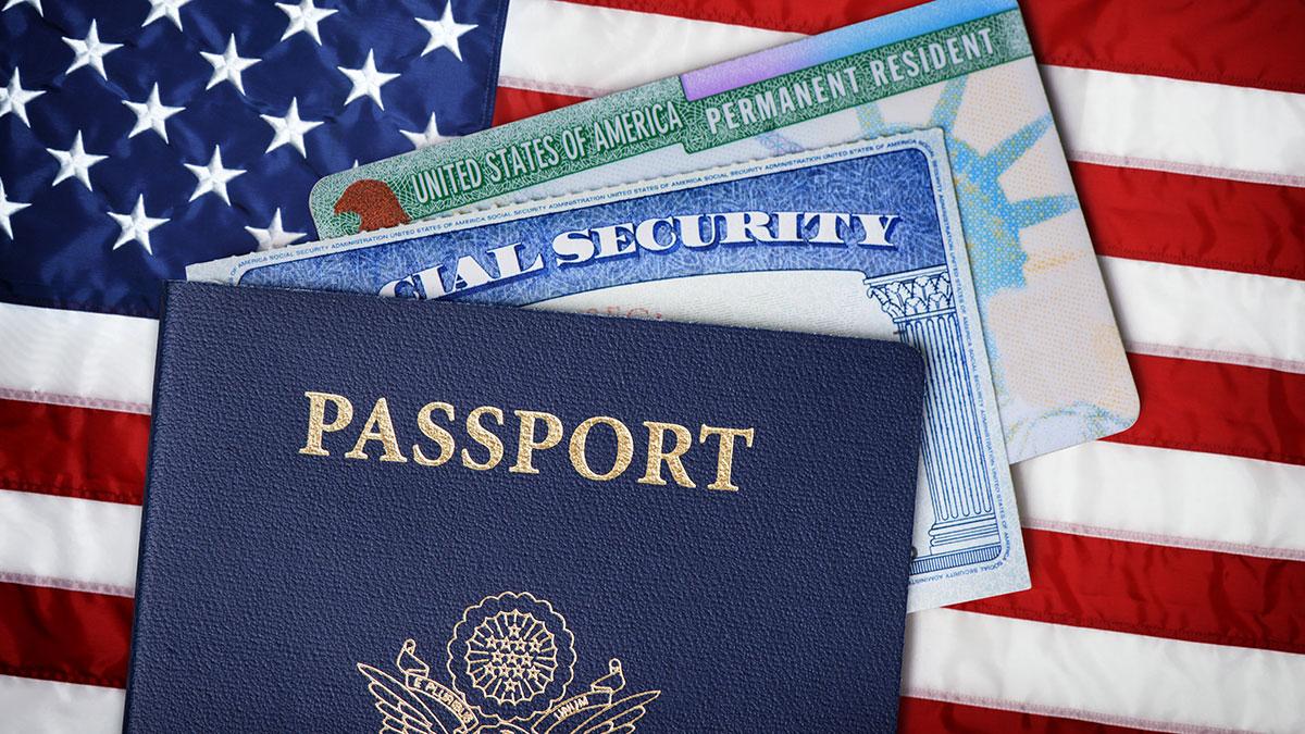 Zmiana nazwiska, statusu imigracyjnego lub obywatelstwa w USA a Twoja Social Security