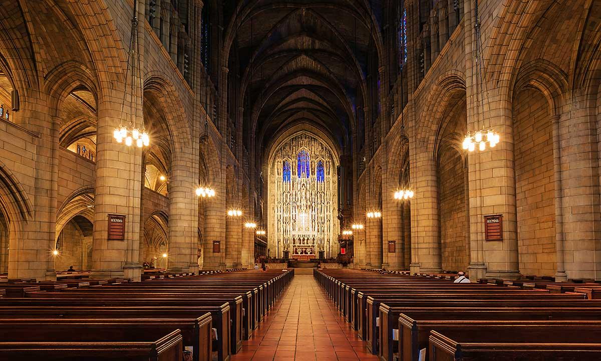 Stan Nowy Jork otwiera kościoły i inne miejsca religijne