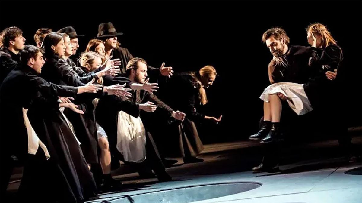 Dziady Adama Mickiewicza w inscenizacji Eimuntasa Nekrosiusa. Premiera online 27 maja.