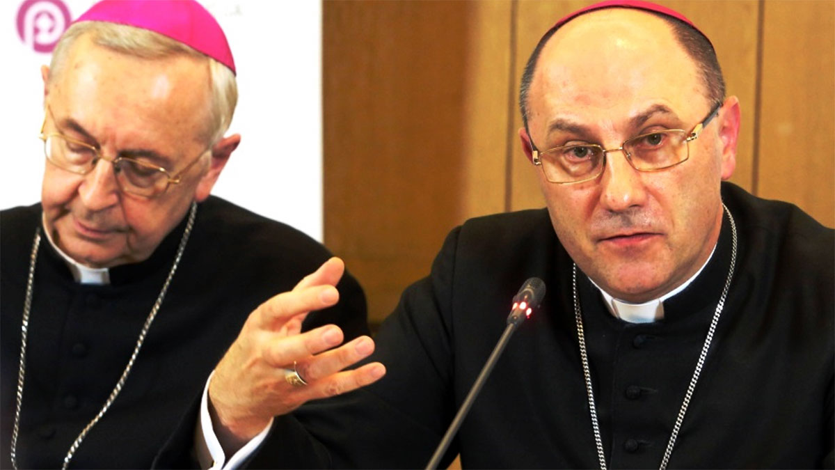 Gorszący spór polskich biskupów
