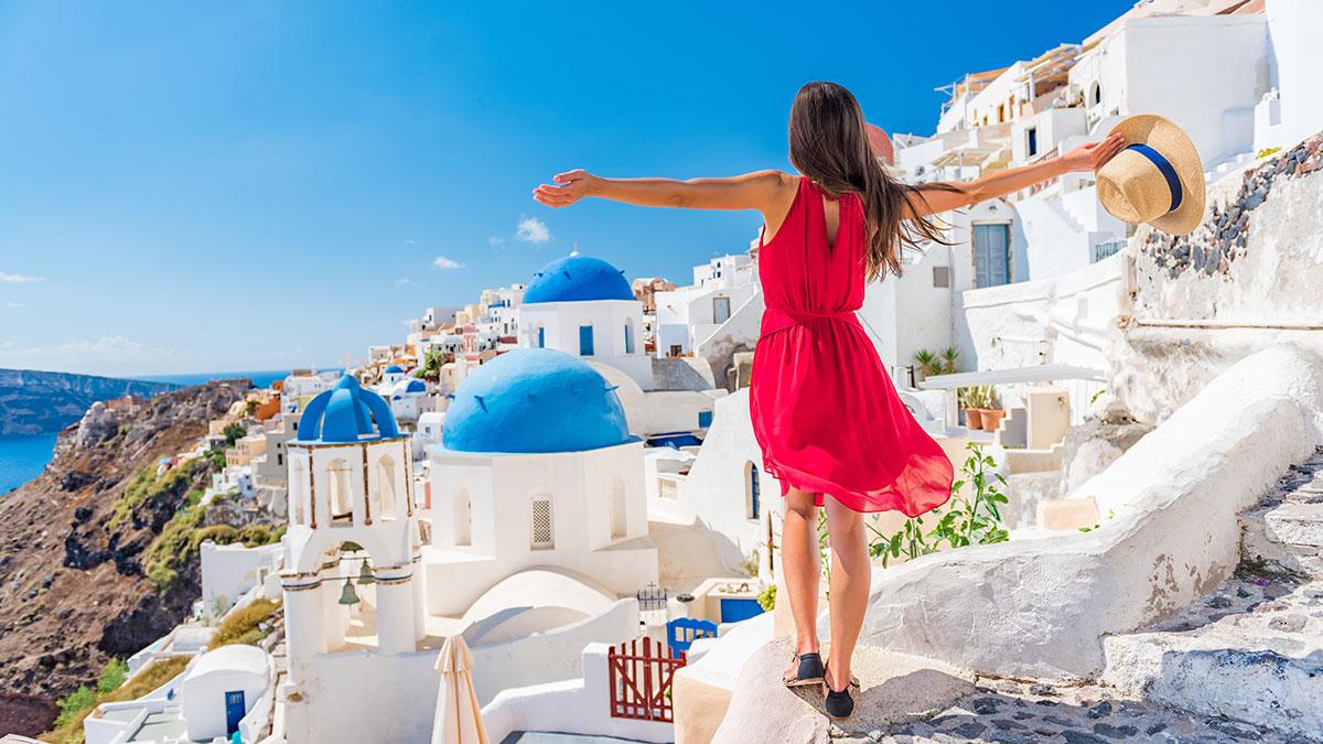 LOT wznowił rejsy międzynarodowe. Czy Polacy chętnie polecą na wakacje?