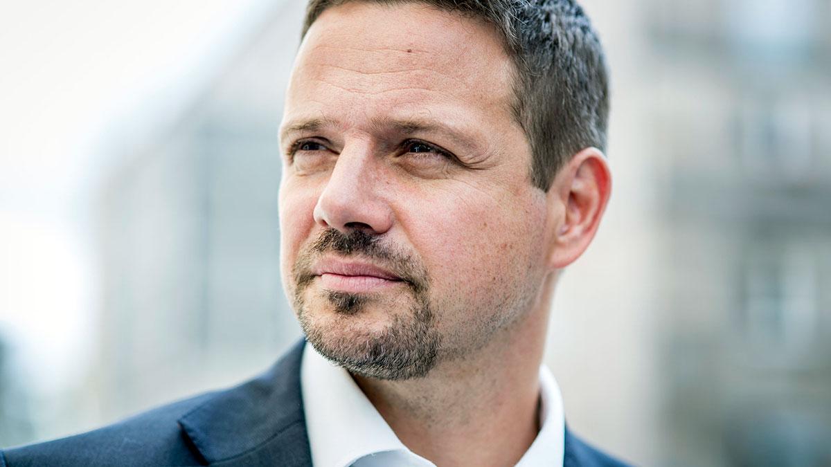 Czy Trzaskowski zmarginalizuje Hołownię?