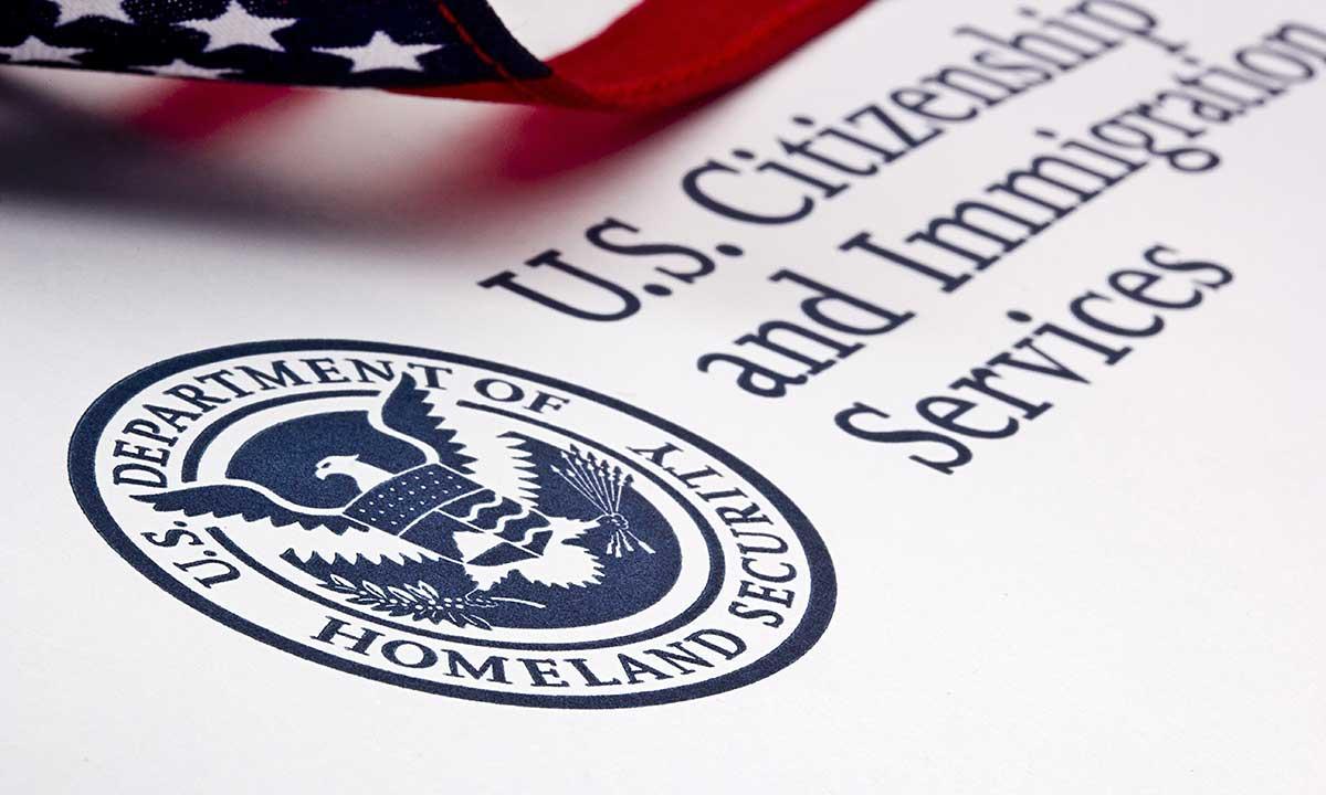 Amerykańskie wizy rodzinne i pracownicze rozpatrywane w sierpniu