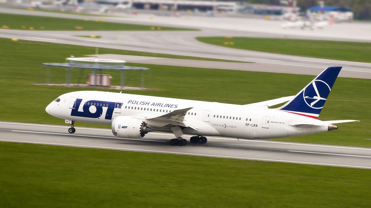 Dreamlinery LOT-u dostały certyfikat na bezpieczne lądowanie